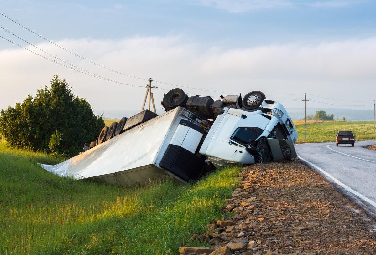 Charlotte Truck Accident Lawyer   Warren & Kallianos